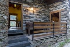 Entrada a Casa Rodrigo e vista do porche