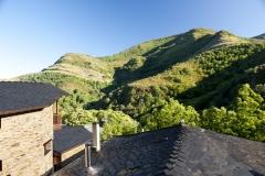 Vistas á montaña desde o salón de Casa Rodrigo